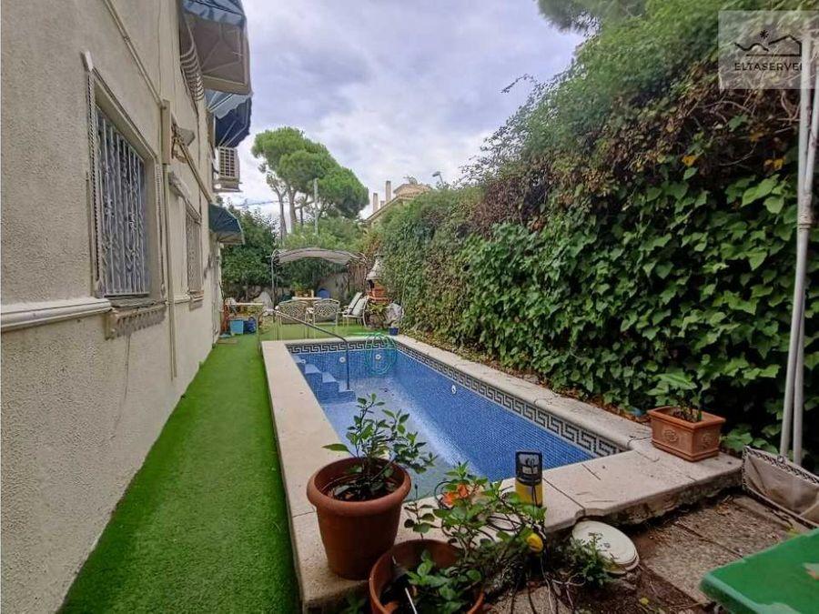 casa adosada con jardin