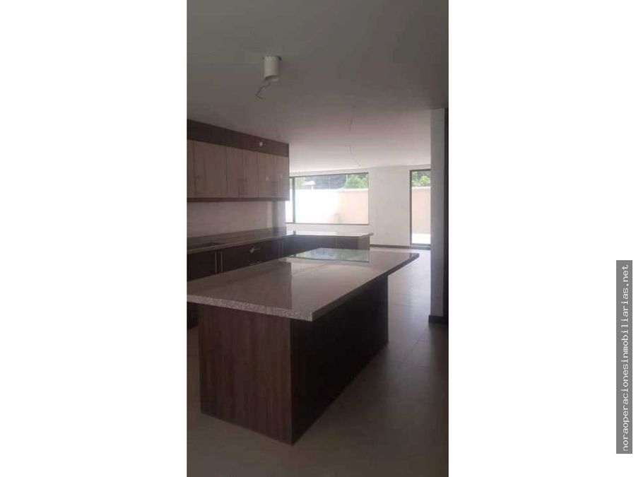 casa 281m2 sector tumbaco