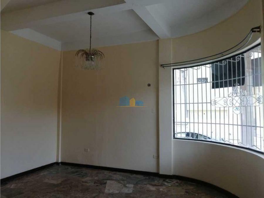 casa centrica en alquiler 4 habitaciones