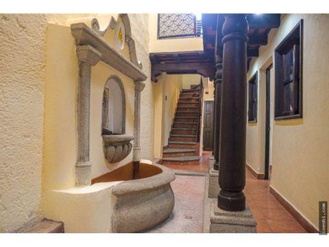 casa comercial de 2 niveles centrica en antigua guatemala