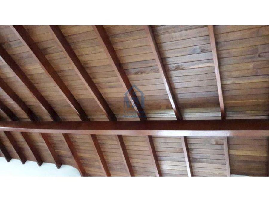 casa completa con aire libre de 96m2 laureles medellin antioquia