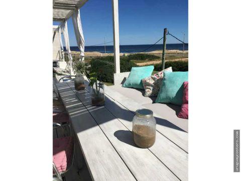 casa con muy buena vista al oceano en el chorro