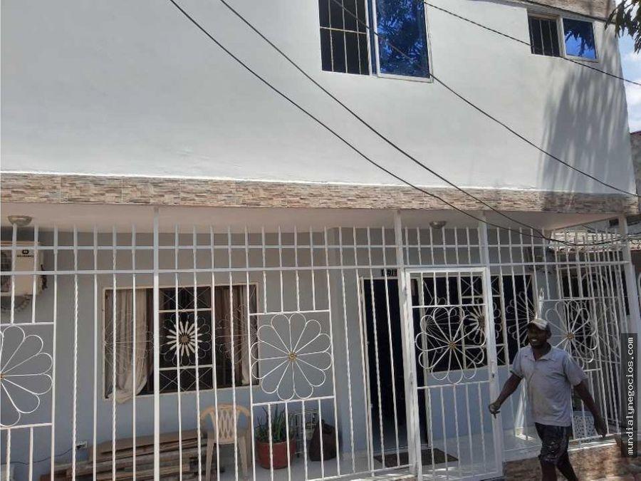 casa con dos apartamentos en segundo piso en la ciudadela