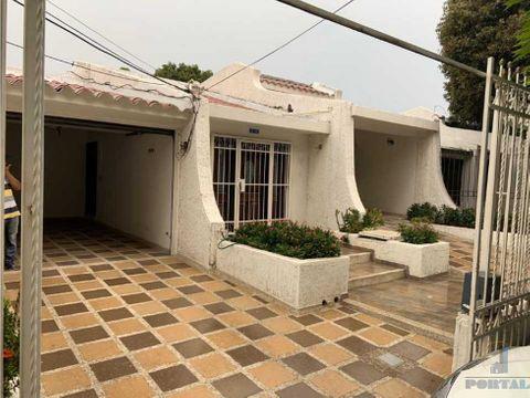 casa con espacios amplios en venta barrio jardin