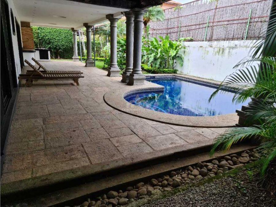 casa con piscina propia en exclusivo condominio sta ana lindora