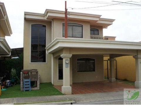 casa moderna cerca del aeropuerto oferta