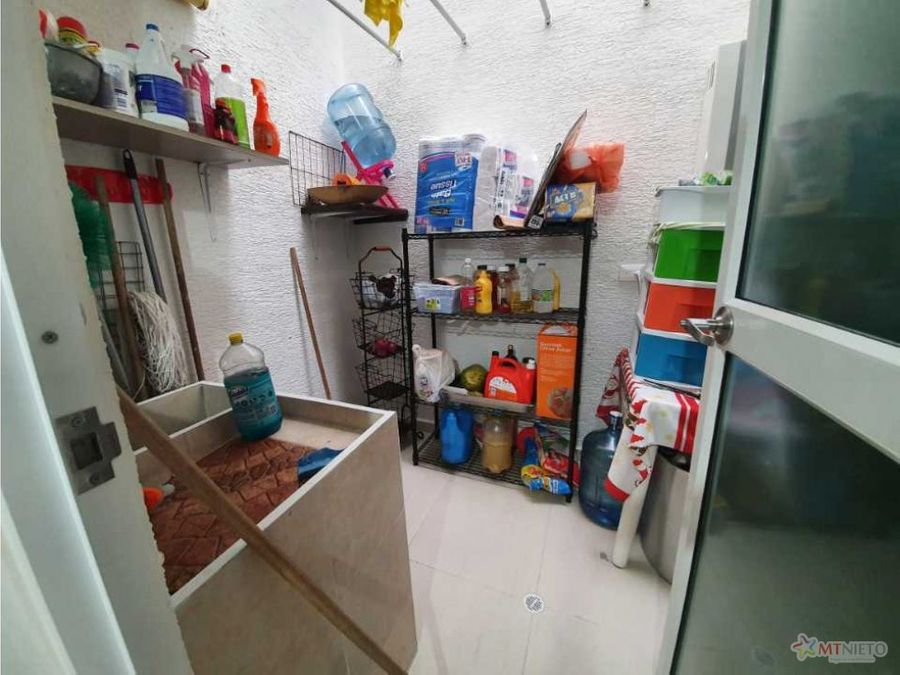 casa de 1125 m2 medianera de 3 alcobas en condominio circasia
