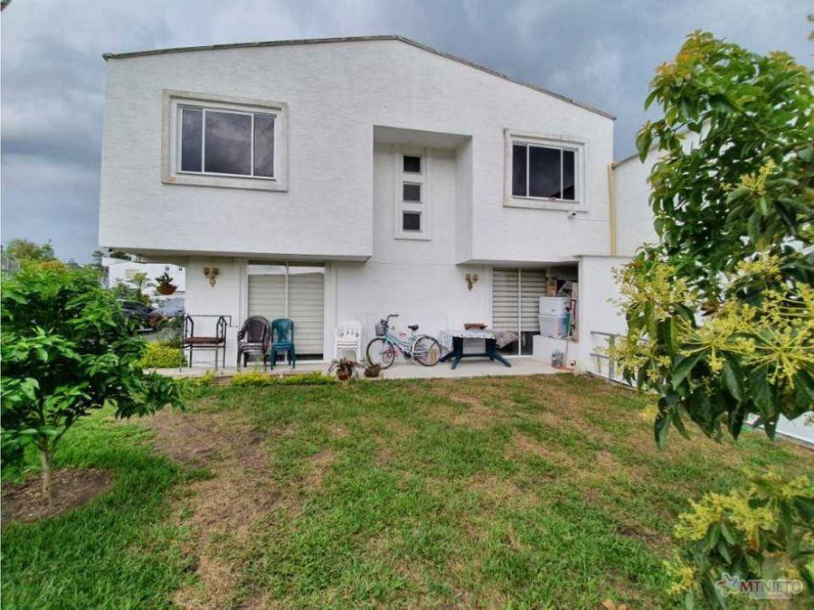 casa 1175 m2 esquinera de 3 alcobas en condominio circasia