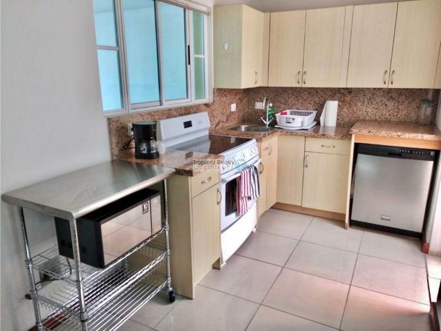 casa amueblada para alquiler en condominio cerca de multiplaza escazu