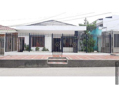 casa amplia en excelente sector del barrio olaya