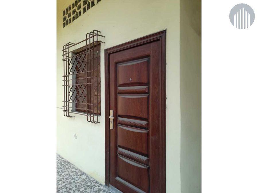 casa grande de 4 departamentos en la calle brasil y balzar
