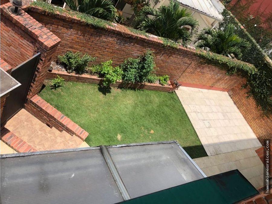 casa grande en ciudad jardin
