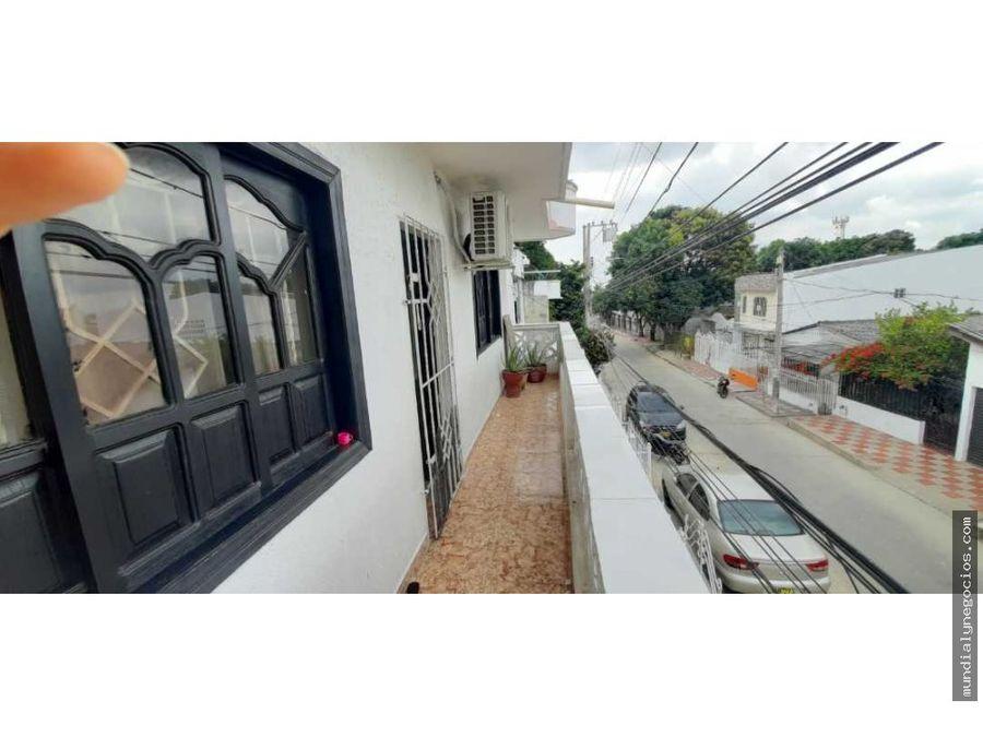 casa de 3 niveles de oportunidad en barrio cevillar