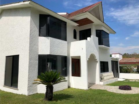 casa de 2 niveles en venta en lomas de cocoyoc