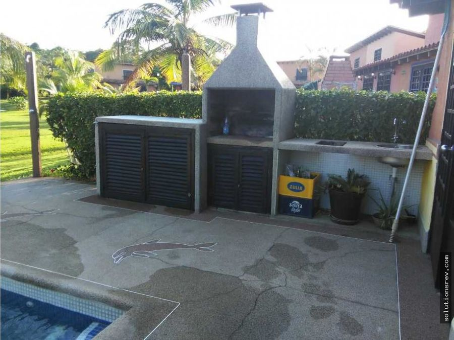 casa de campo con piscina privada