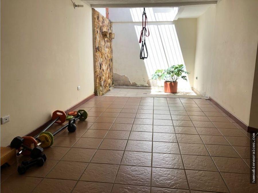 casa de dos pisos rivera del rosario