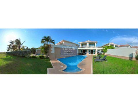 casa de playa con piscina privada salida directa al mar caribe