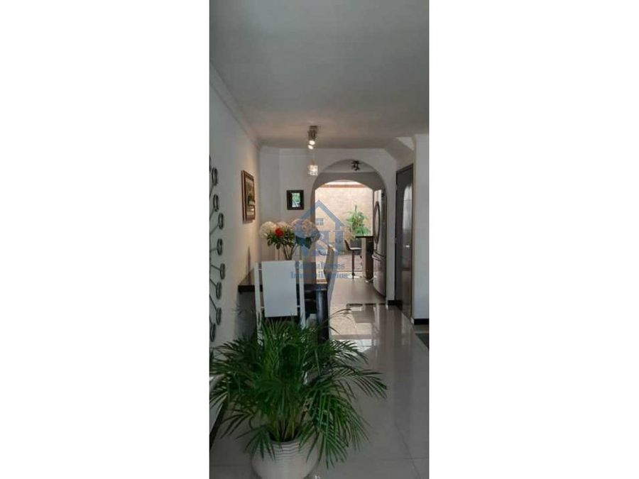 casa de tres niveles en venta loma del indio medellin antioquia