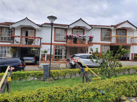 casa en condominio 156 m2 de 3 alcobas av 19 norte