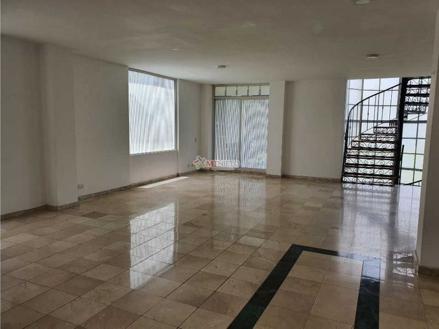 casa en condominio de 367 m2 de 3 alcobas av centenario