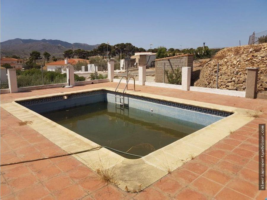 casa en alfaix con terreno y piscina