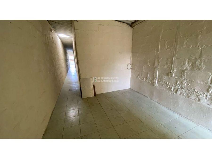 casa en arriendo en manrique central cod a15 169
