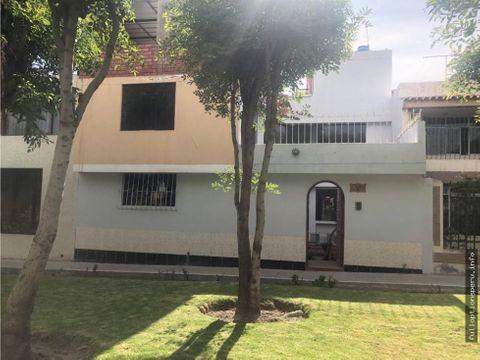 casa en avenida ideal para empresa