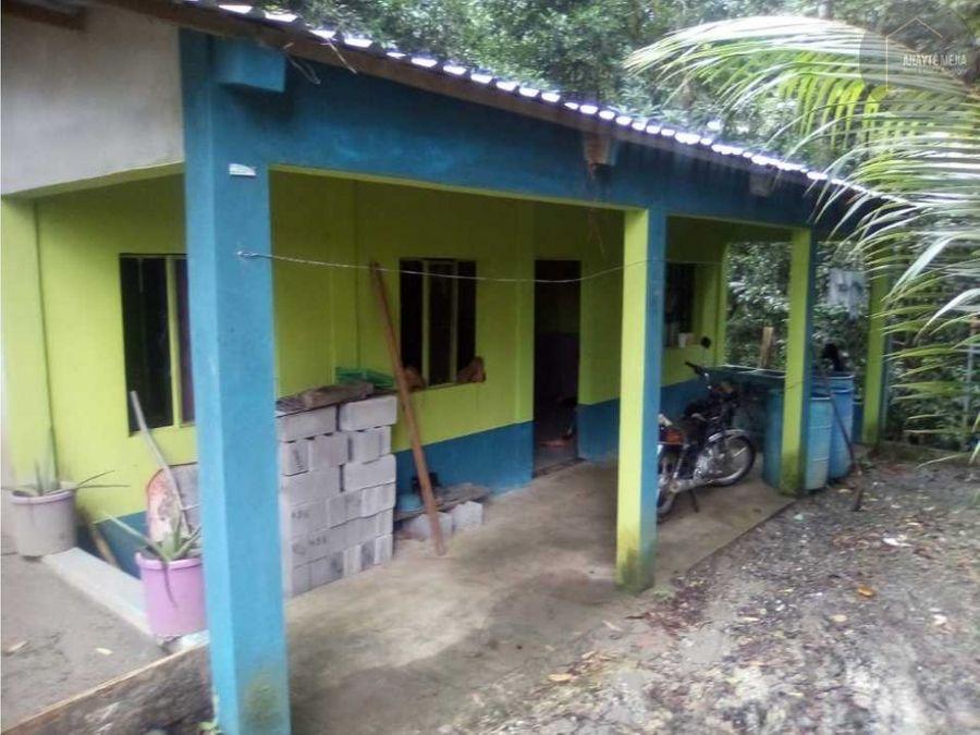 casa en barrio la cuchilla rio dulce izabal