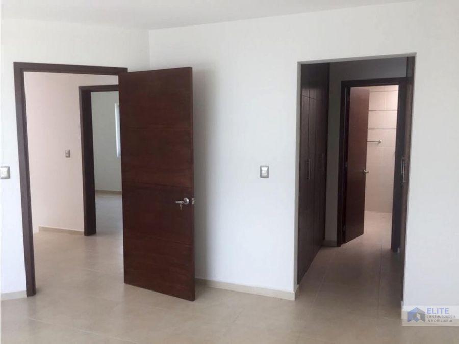 casa en el refugio en privada con vigilancia