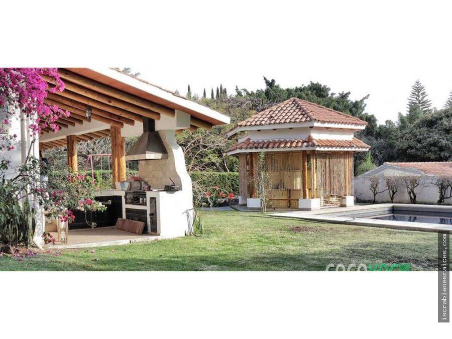casa en lomas de cocoyoc en venta a campo de golf