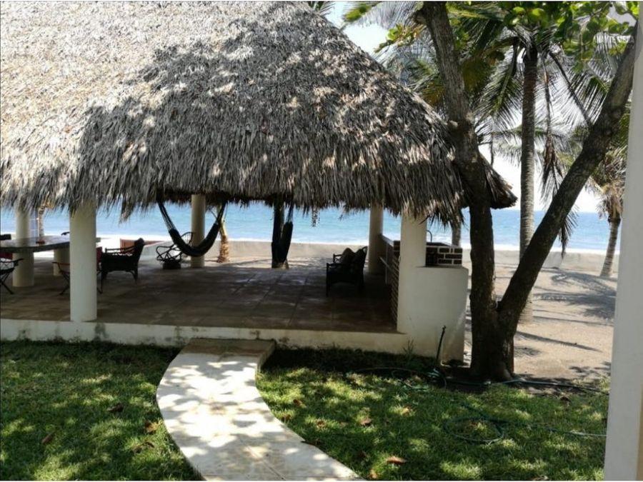 casa en la playa de monterico en renta
