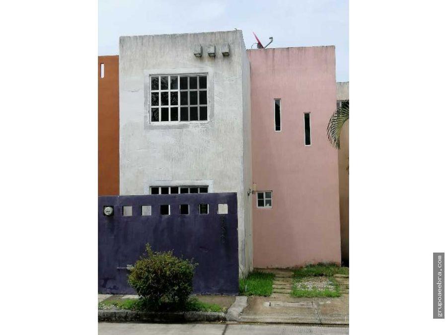 casa en renta 3 recamaras 25 banos vigilancia 247