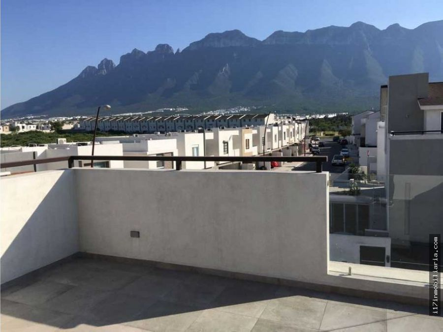 casa en renta en montenova sector nuvol