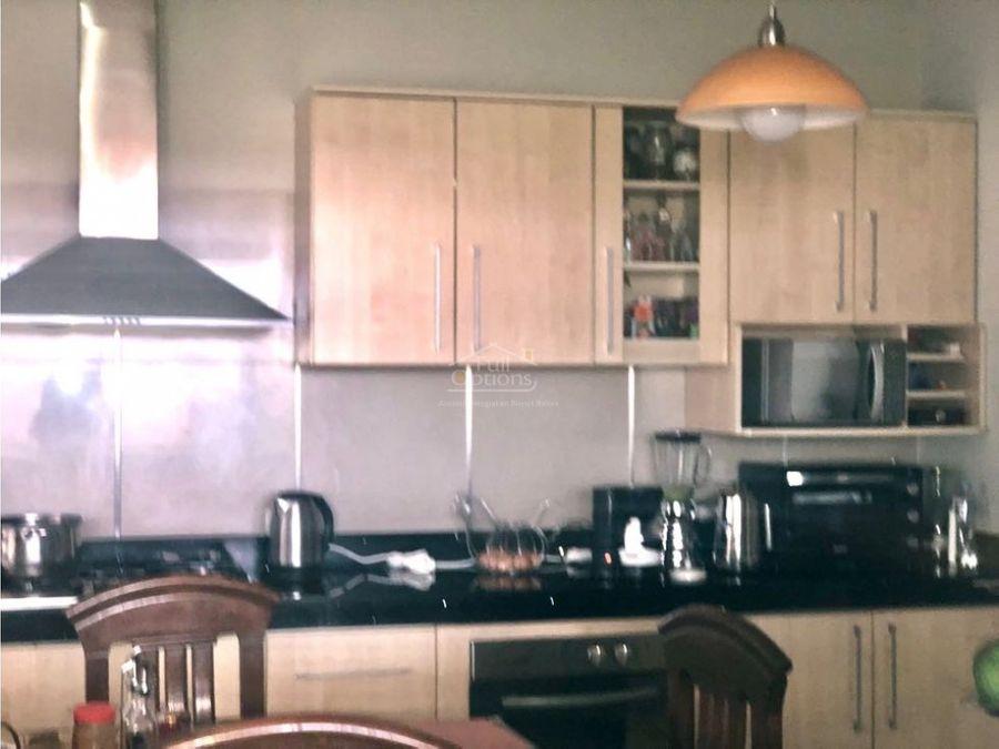casa en residencial exclusiva y privada de cayma