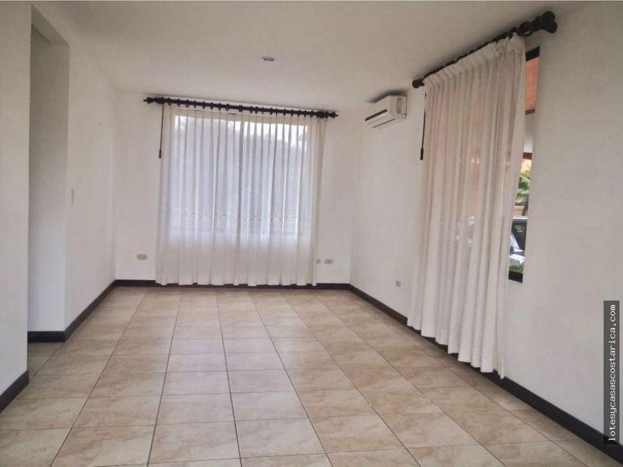 casa en residencial para alquiler