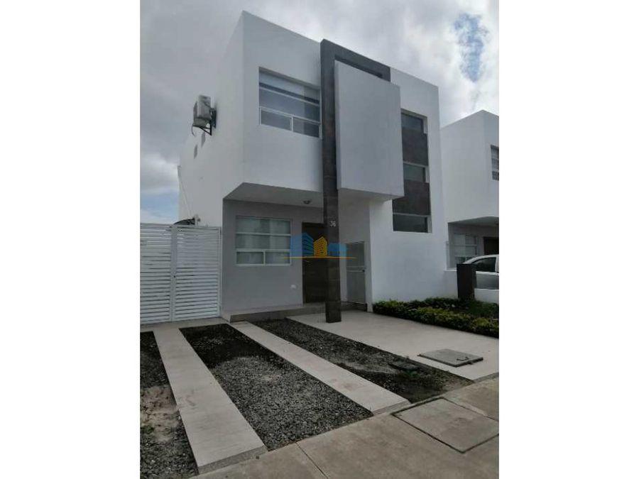 casa en urbanizacion al sur de manta