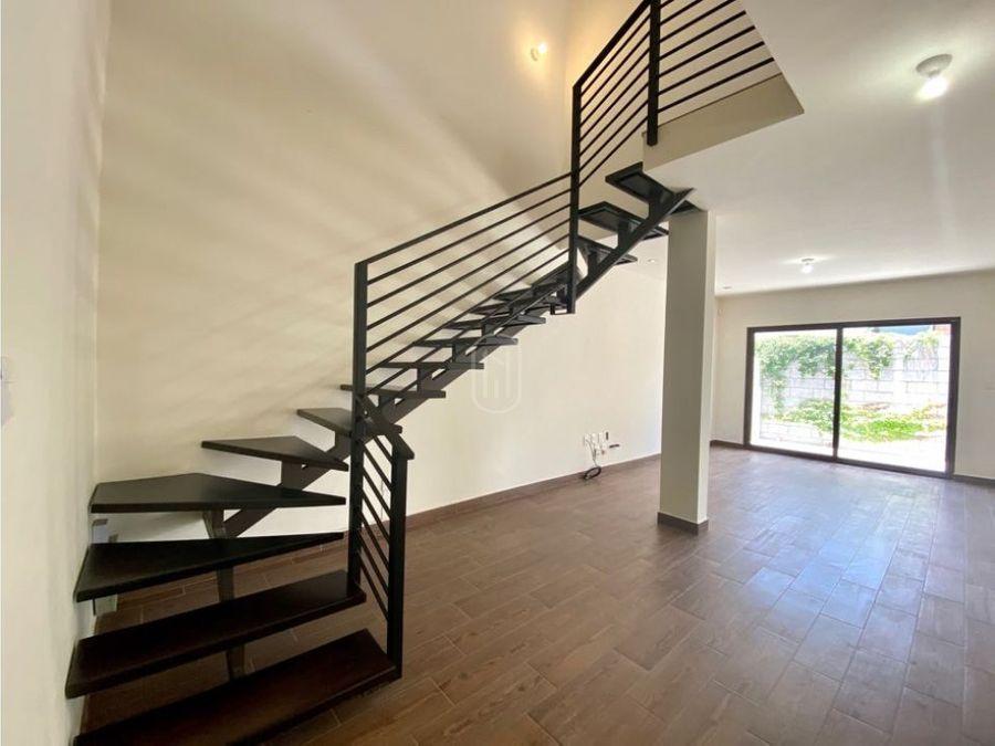 casa en venta 3 recamaras y estudio en altozano queretaro