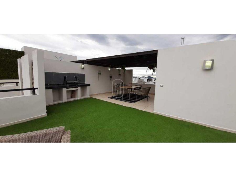casa en venta con roof garden zibata queretaro