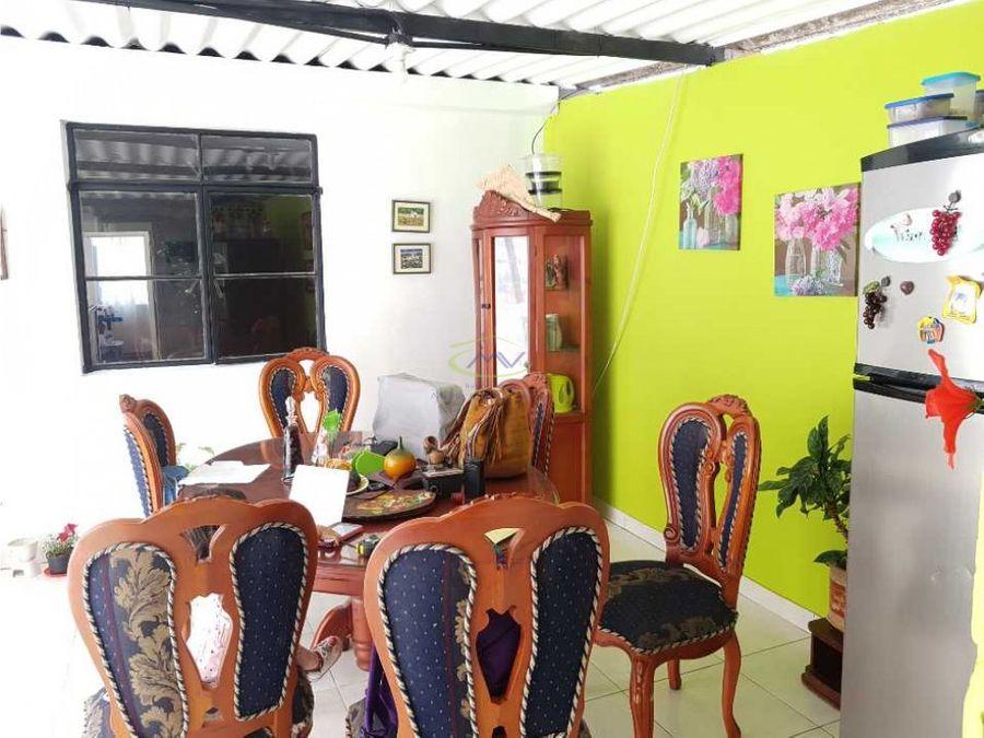 casa en venta av paralela con rentas