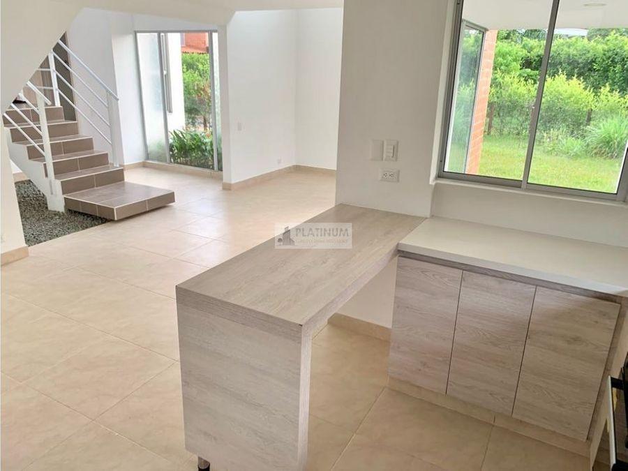 casa en venta en condominio en la morada fd