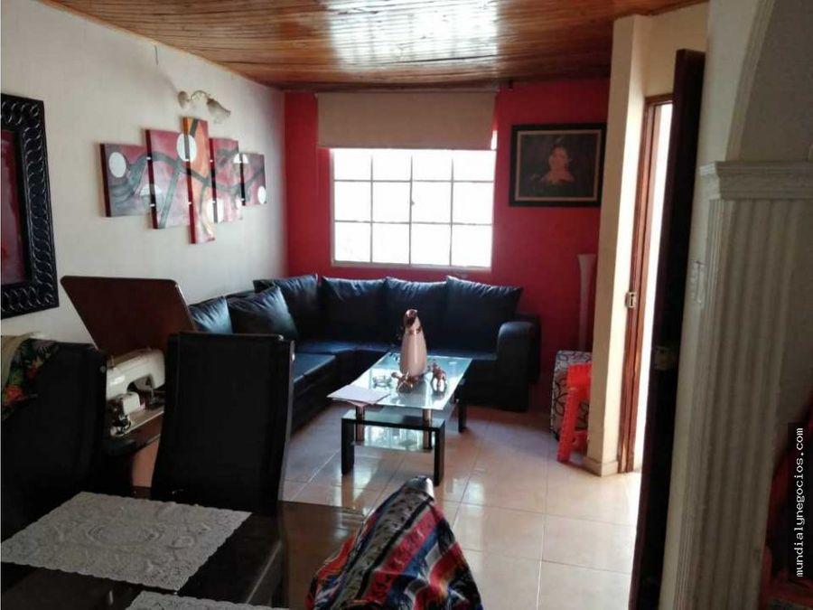 casa en venta en el cisne santa marta 001