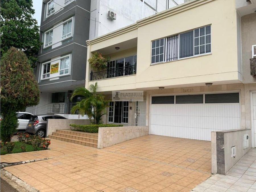 casa en venta en el ingenio jc1