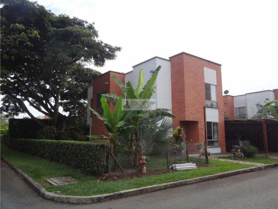 casa en venta en el sector alfaguara ah