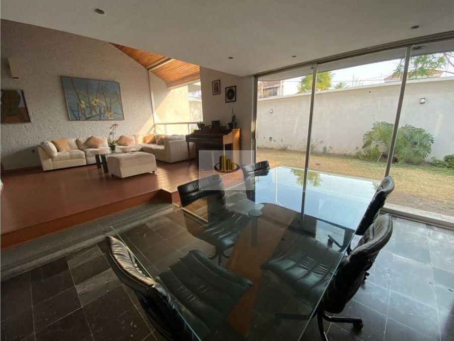 casa en venta en esquina inmenso jardin en exclusiva zona de puebla