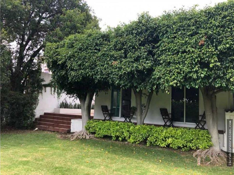 casa en venta en lomas de cocoyoc con amplio jardin