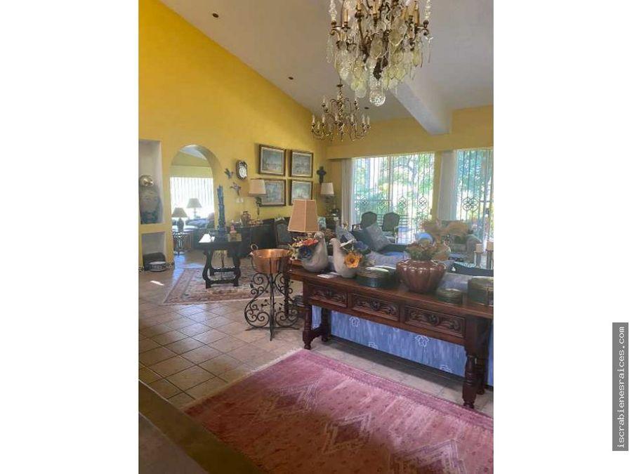 casa en venta en lomas de cocoyoc a campo de golf