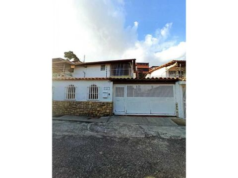 casa en venta en lomas de la trinidad en perfecto estado
