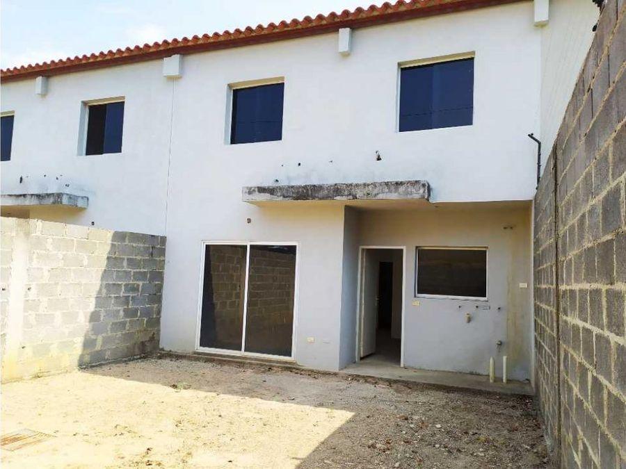 casa en venta urb los medanos en cabudare nueva