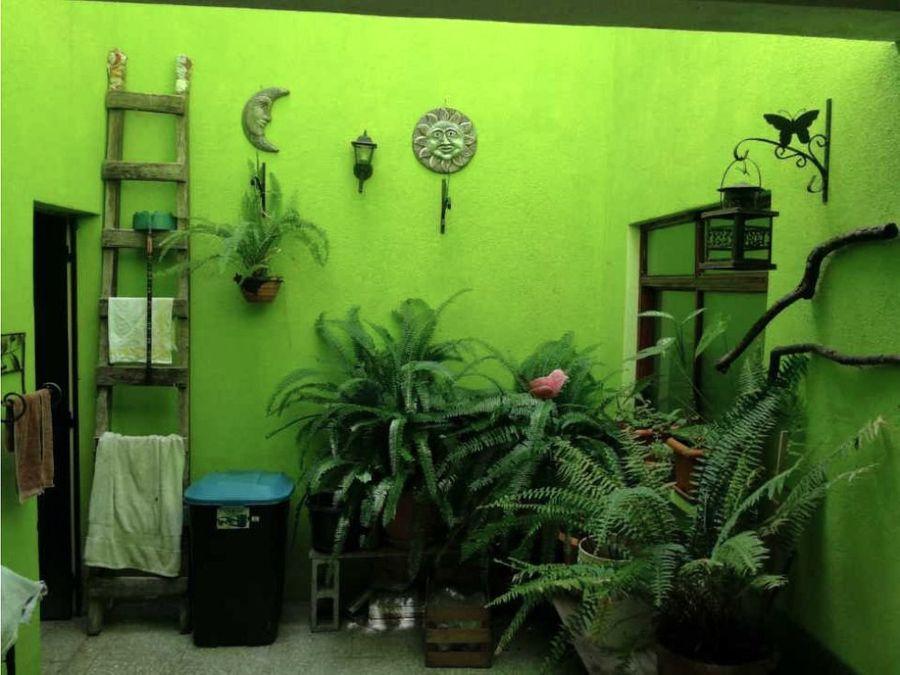 casa en venta zona 1 ave entre arboles