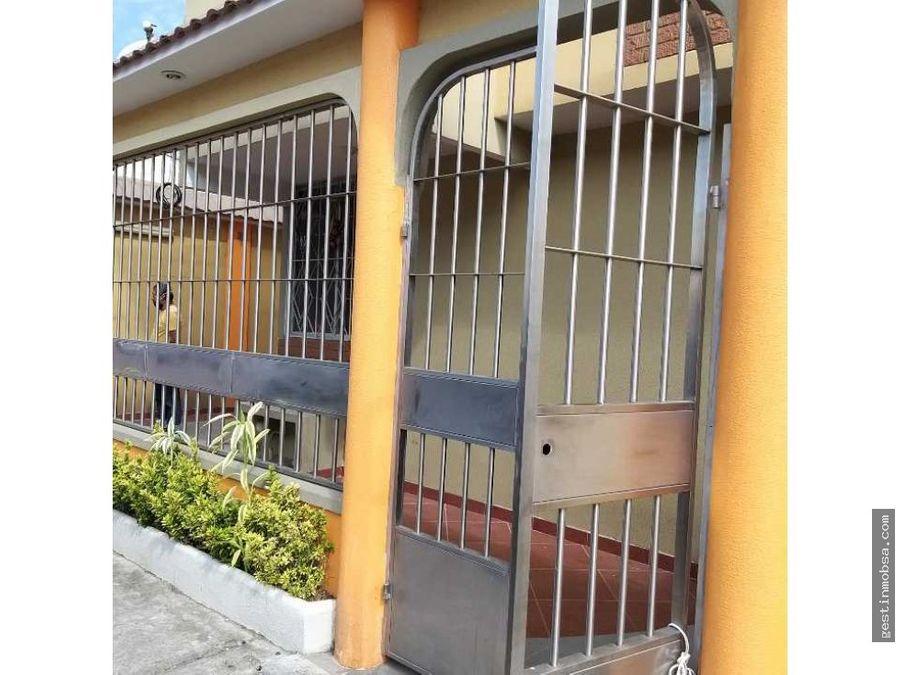 casa esquinera en mucho lote 2 victoria del rio guayaquil